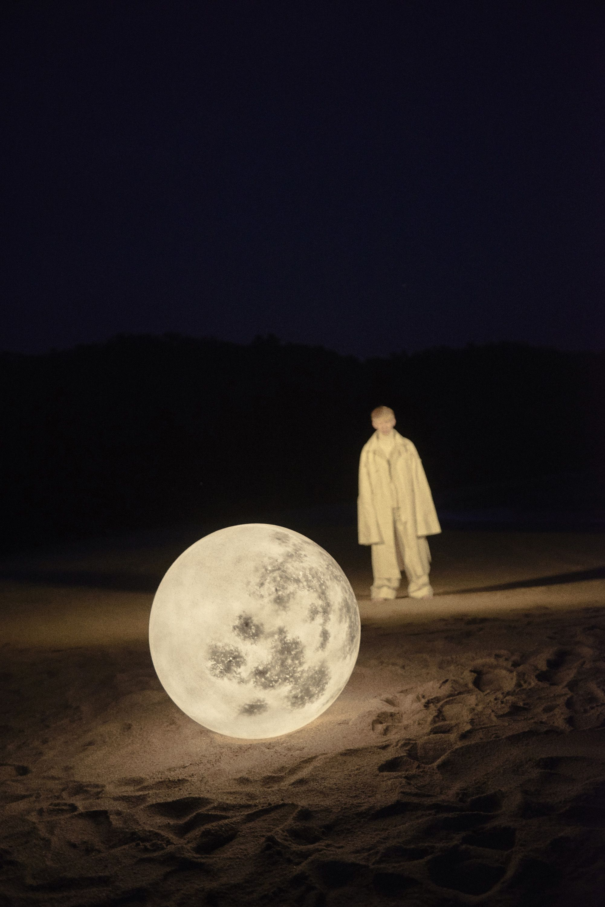 Found My Moon Is A Photography Project Presented By Unun A Hong Kong Based Lifestyle Select Shop Collabor Weird Photography Moon Photography 3d Photography
