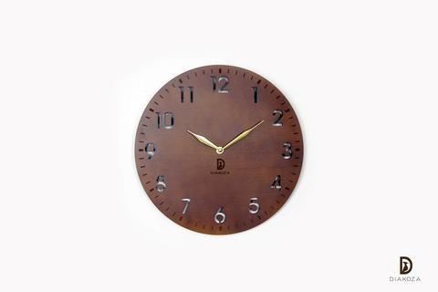 لمسة هادئة وعصرية هي ما قد يحتاجه منزلك ساعة حائط بسيطة في تصميمها مريحة للعين مصنوعة من أجود وأفضل أنواع خشب البلاي وود الفنلندي والذ Clock Wall Clock Wall