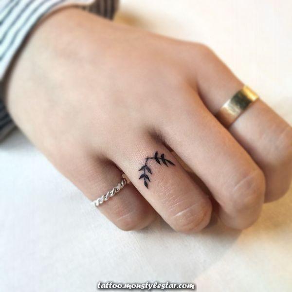 Photo of Grands concepts pour les tatouages avec des anneaux de cérémonie de mariage: tatouage avec l'annulaire pour {couples …