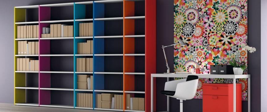 Funcional librer a a tus medidas y colores con escritorio for Oficina habitatge barcelona