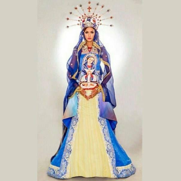 "*...""Imagen de la Virgen De la Altagracia"".~*~. *...""Miss Republica Dominicana, Kimberly Castillo, 2014"".~.""Vestimenta en honor a la Virgen!.~*~."