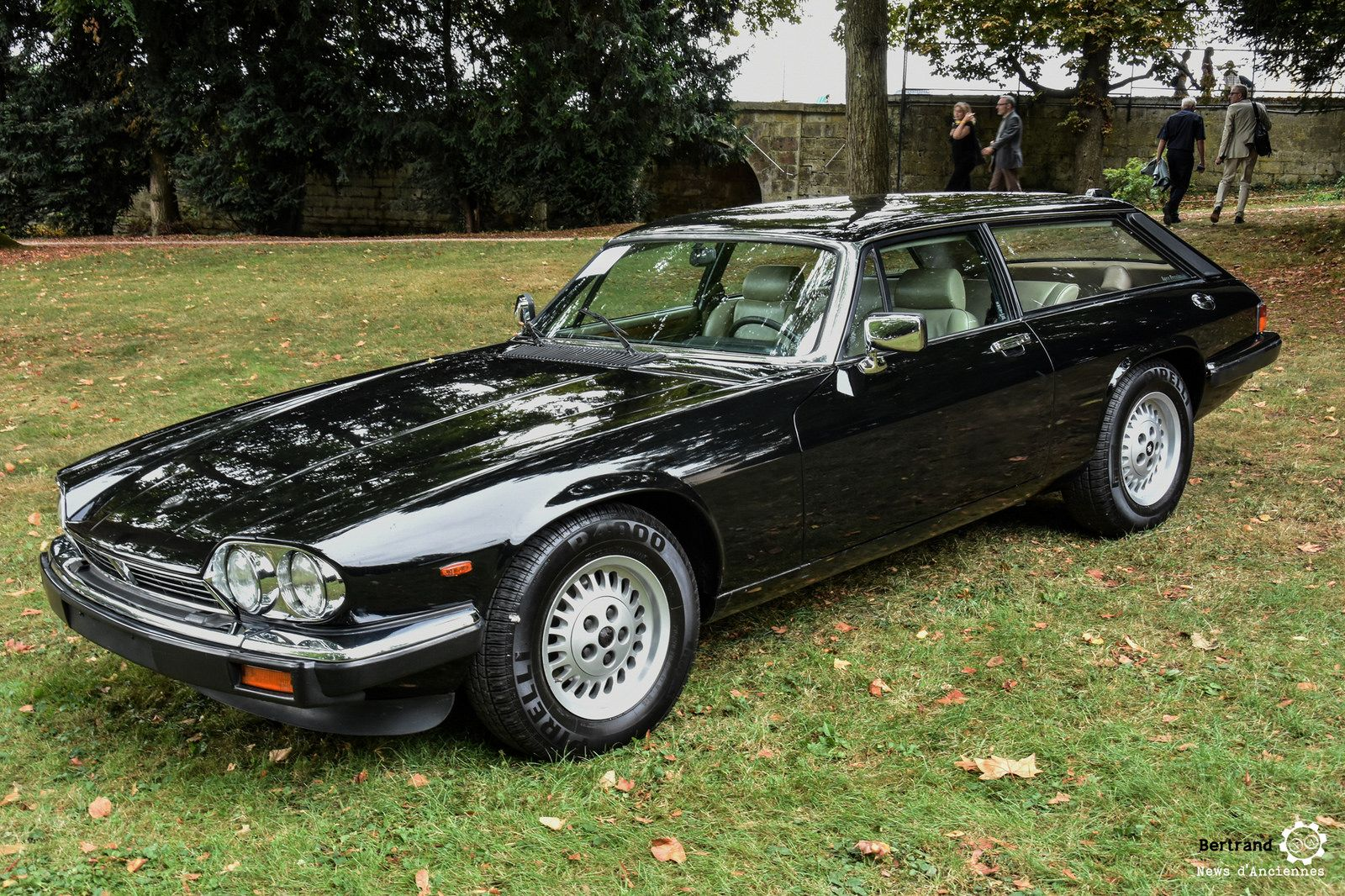 Jaguar Lynx Eventer à Chantilly Arts Et Elegance #MoteuràSouvenirs  Reportage : Http://