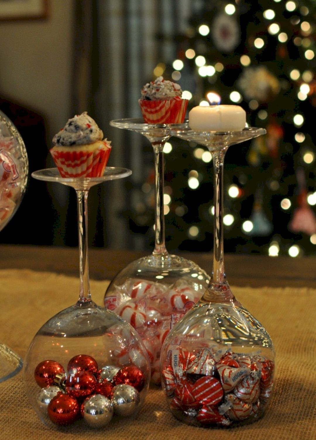 30 Diy Christmas Centerpieces Ideas For Beautiful Home Decoration Holiday Centerpieces Christmas Centerpieces Diy Holiday Centerpieces Diy