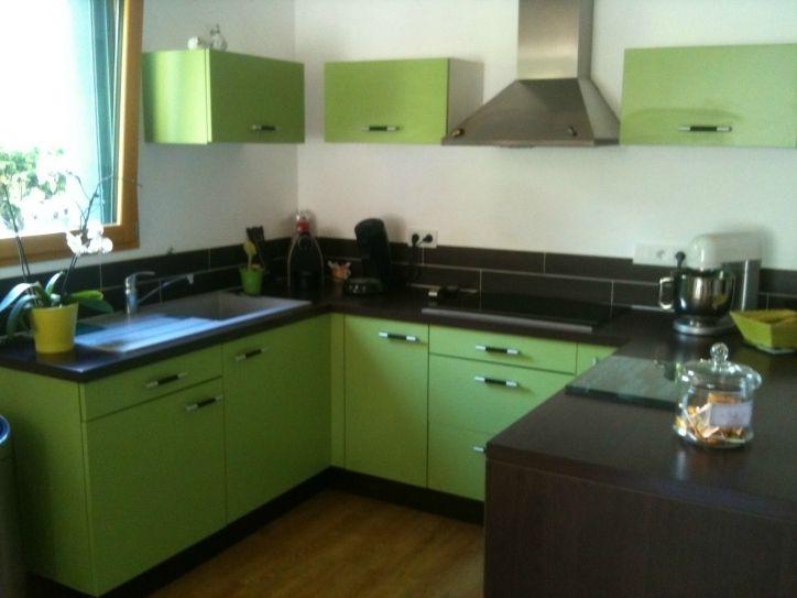 New post Haut Brillant et Superbe Meuble De Cuisine Vert Anis dans - cuisine verte et blanche