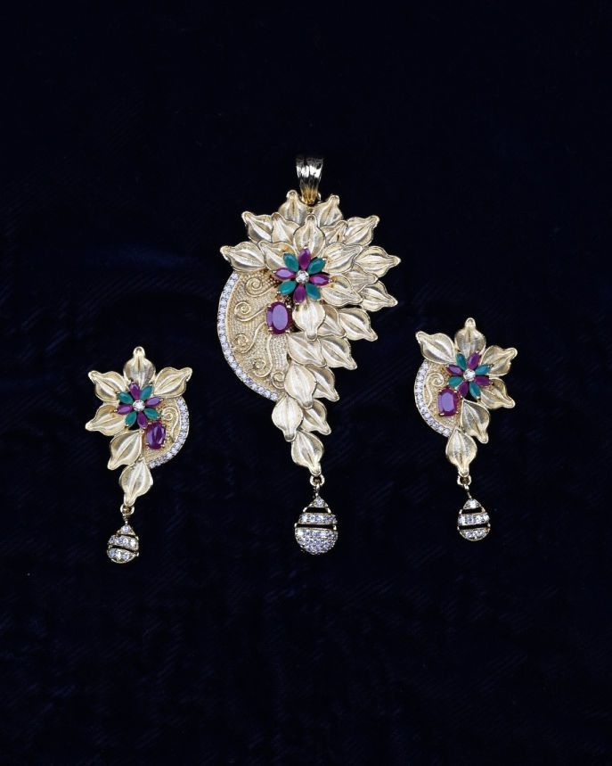 8094d24a555a86 Women's Unique Handcrafted Designer Bollywood Golden Look Pendant Set  jewelry