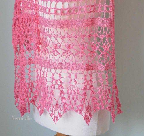 Lace crochet shawl pink H786