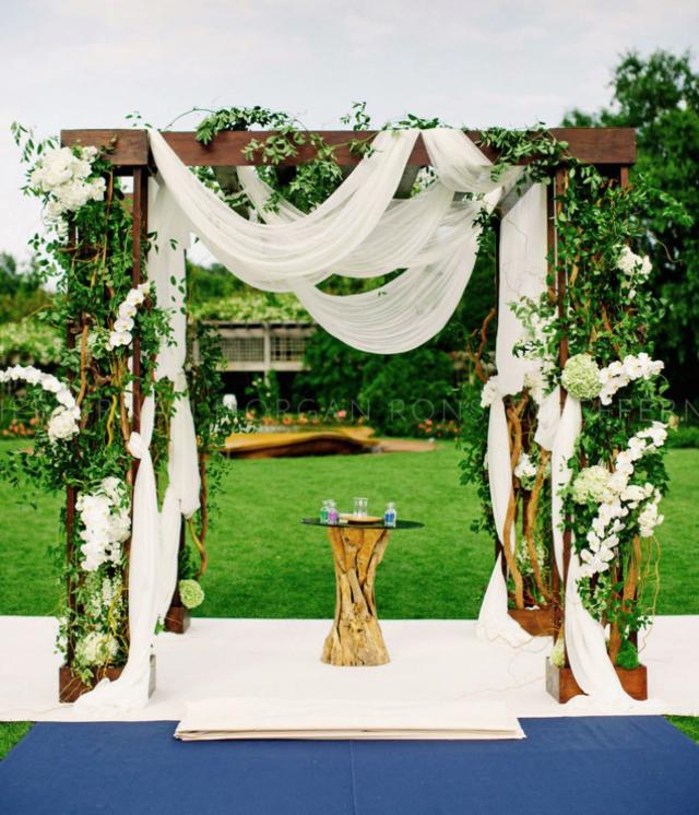 Tulle Wedding Altar: 55 Spectacular Wedding Ideas - MODwedding
