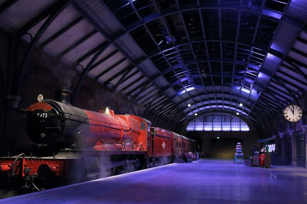The Real Hogwarts Express Is Now Open At Warner Bros Studio London Harry Potter Studio Tour Harry Potter Studios Hogwarts Express