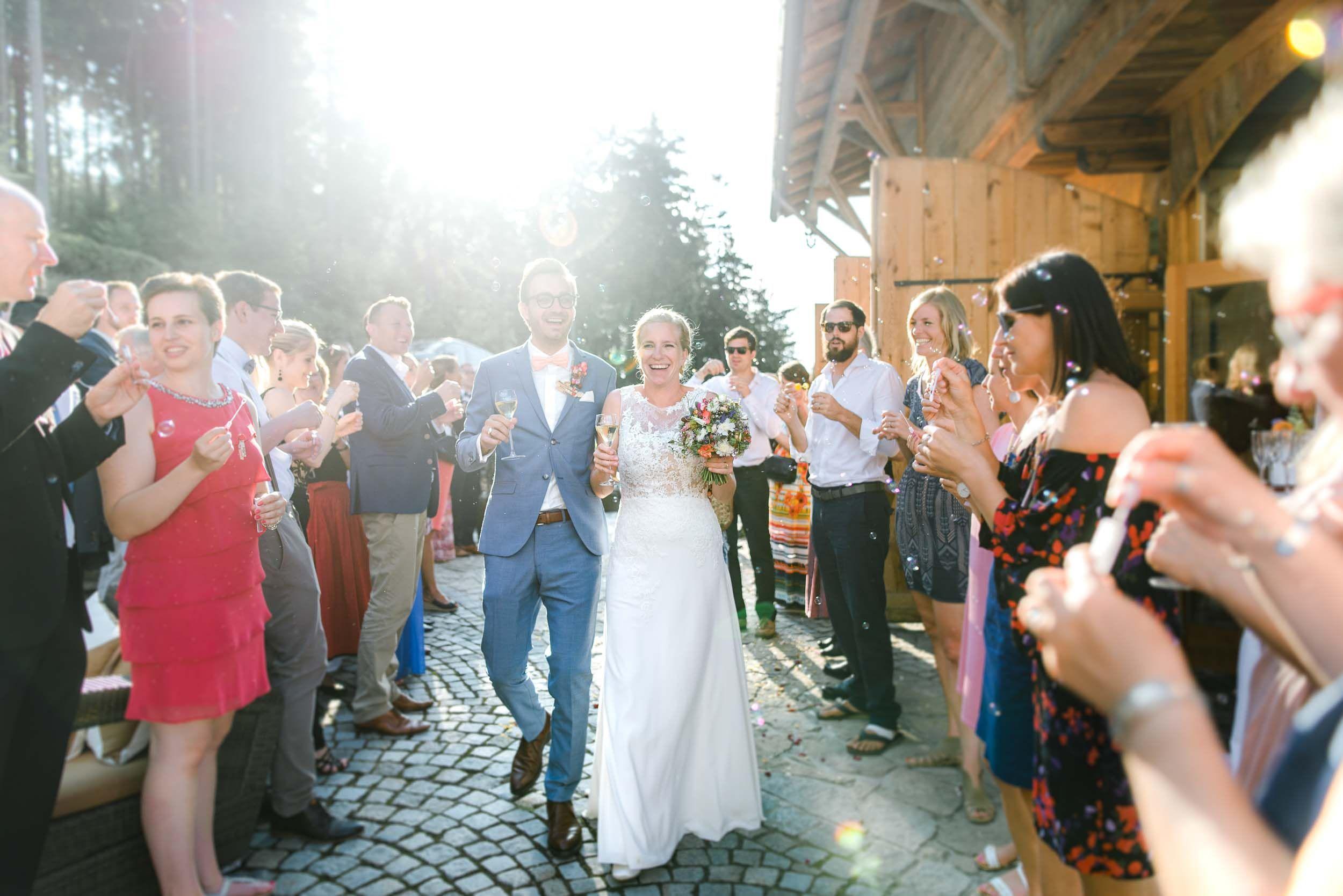 Berghochzeit Almhochzeit Im Bayerischen Wald Hochzeitsfotografin Veronika Anna Fotografie Berghochzeit Hochzeit Hochzeitsfotograf