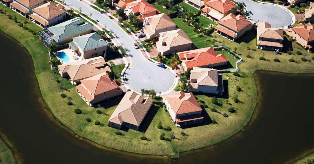 Wave Of Hispanic Buyers Shores Up U S Housing Market Housing Market Mortgage Mortgage Payment