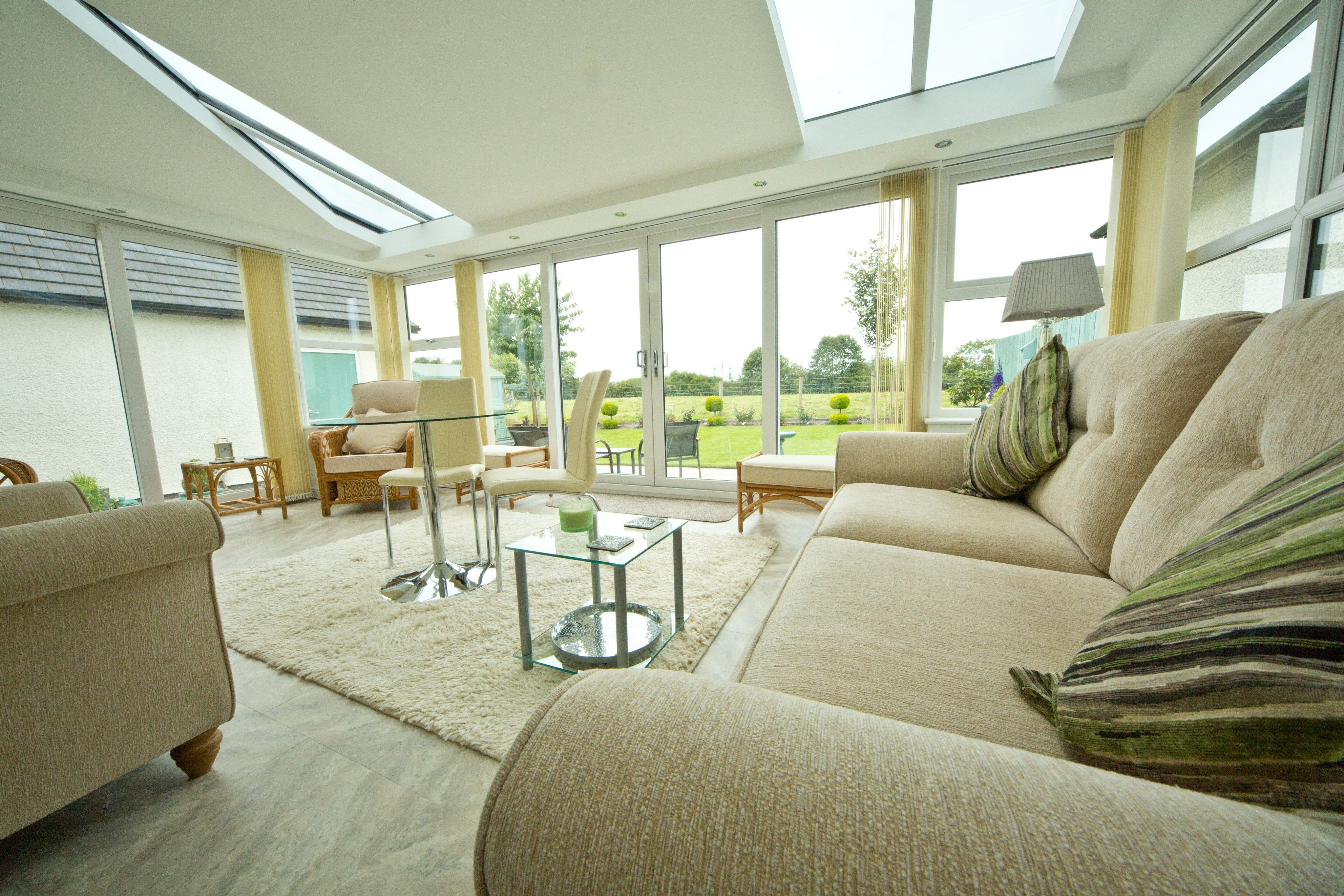 An Ultraframe House Extension With a Solid Roof ...