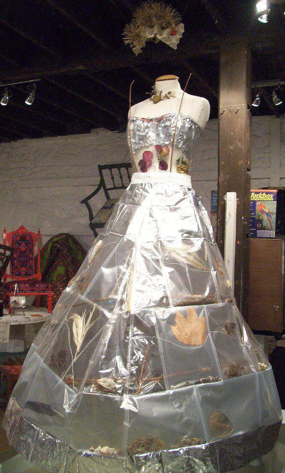 emballer c 39 est peser ou le plastique recycl en robe de princesse arts visuels pinterest. Black Bedroom Furniture Sets. Home Design Ideas