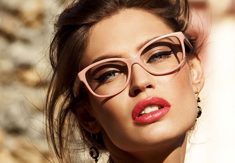 Women in Glasses: Looking Gorgeous Couldn't Get Simpler - Of eyebrows and eyelashes