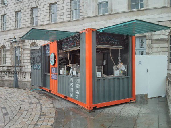 Container vetrati negozi mobili container pinterest for Arquitectura contenedores maritimos