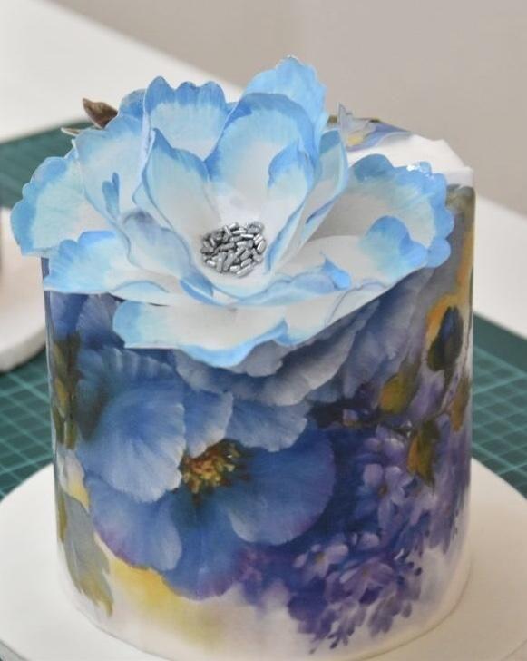 Torta Con Diseño En Papel De Arroz Flor En Papel De Arroz By Cristina Calcagno Watercolor Cake Painted Cakes Hand Painted Cakes