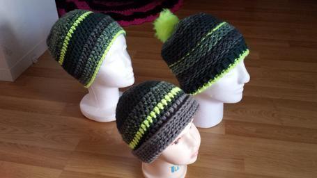 95fb14b7b4f6 Bonnet en crochet ou tricot gris-jaune   Amda Créa   Pinterest