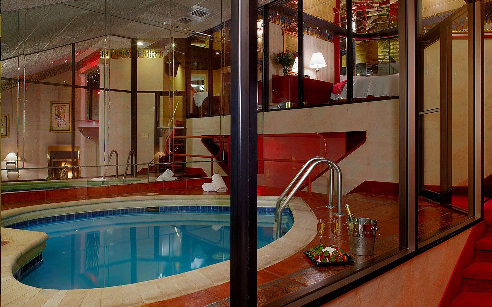 Cove Haven Resorts  Poconos Romantic Getaways  Pocono