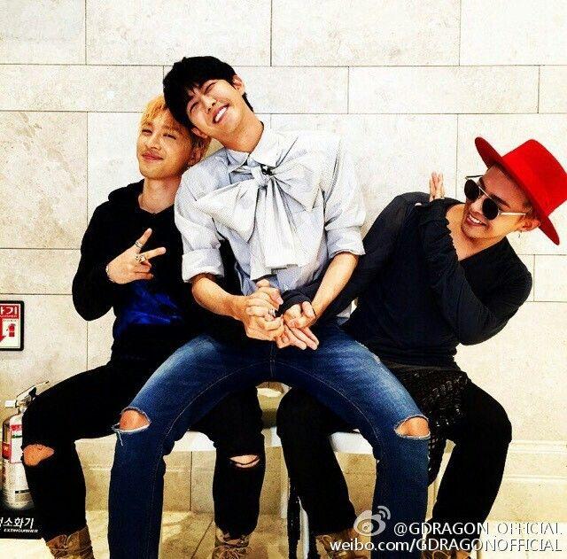 """150726 G-Dragon Weibo:""""#황태지##무한도전##가요제#"""""""
