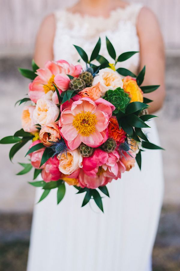 We dive into some stunning colorful flower inspiration! Why you ...