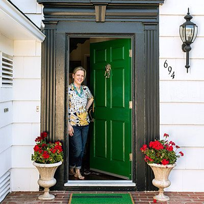 Curb Appeal Glossy Emerald Green Front Door Planters With Red Geraniums Nice Exterior Light Lovely Green Front Doors Green Door Front Door Colors