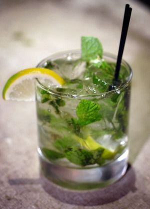 Mojito But We Used Spiced Rum When You Re Supposed To Use Light So I Want To Try Again Ricette Bevande Salute