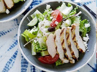 Greek salad with oregano marinated chicken recipe marinated greek salad with oregano marinated chicken dinner salad recipesdinner forumfinder Images