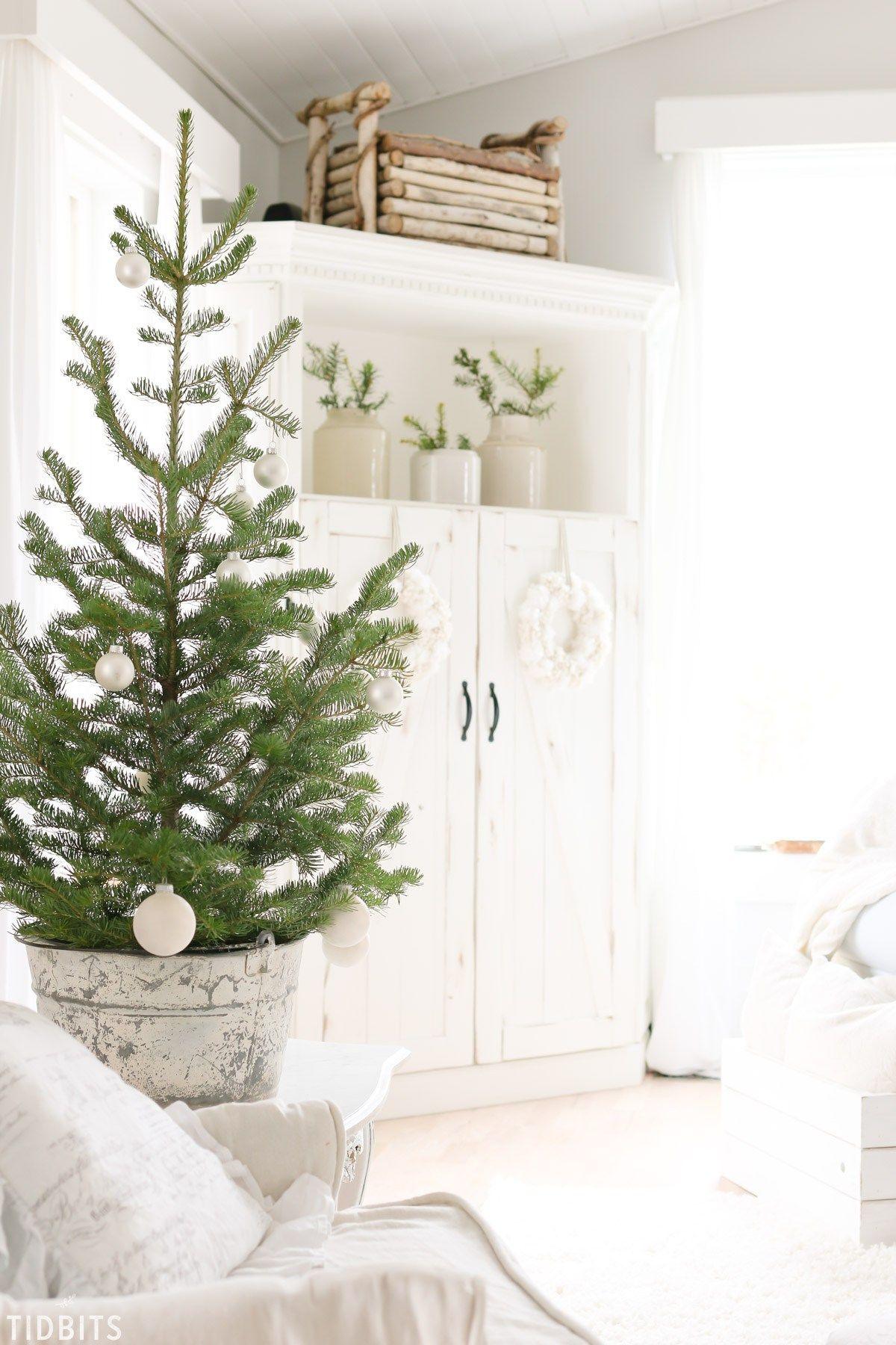 6 Tips for Changing your Christmas Decor Theme   Christmas decor ...