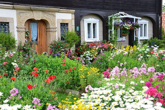 Oberlausitz Und Nordbohmen Oberlausitzer Bauerngarten Bauerngarten Garten Umgebindehaus