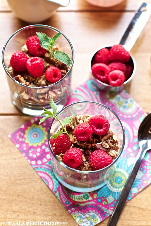 Raspberry Granola Parfaits | FamilyFreshCooking.com