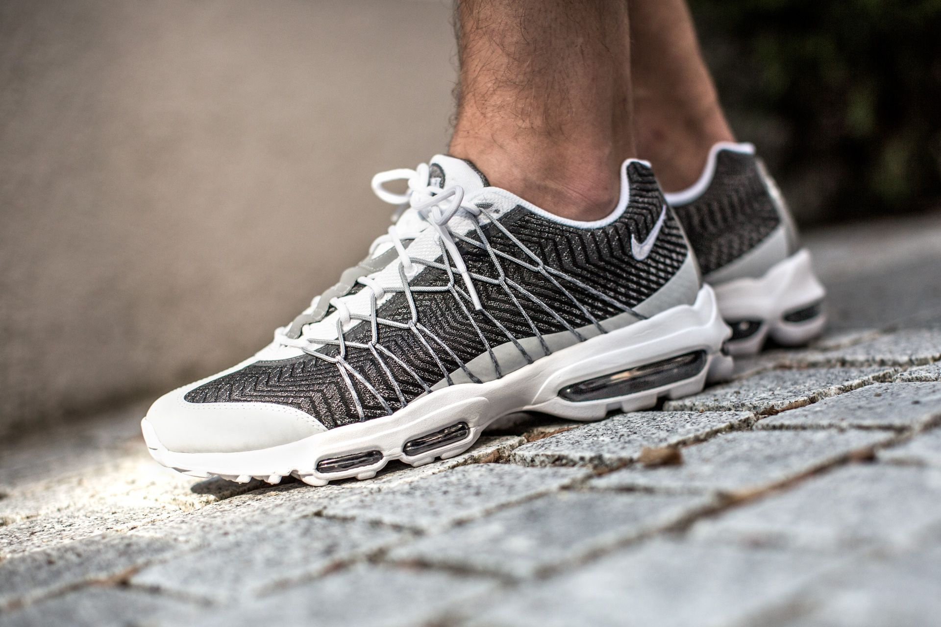 NIKE AIR MAX 95 ULTRA JCRD WHITEWHITE WOLF GREY DRK GREY