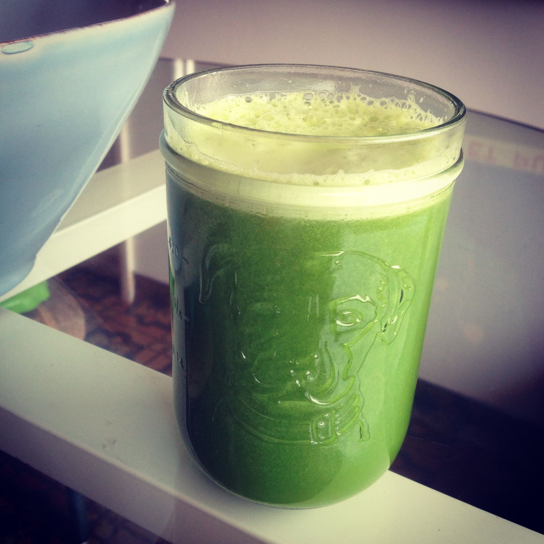 Cucumber, celery, apple, lemon,ginger,kale,spinach,parsley