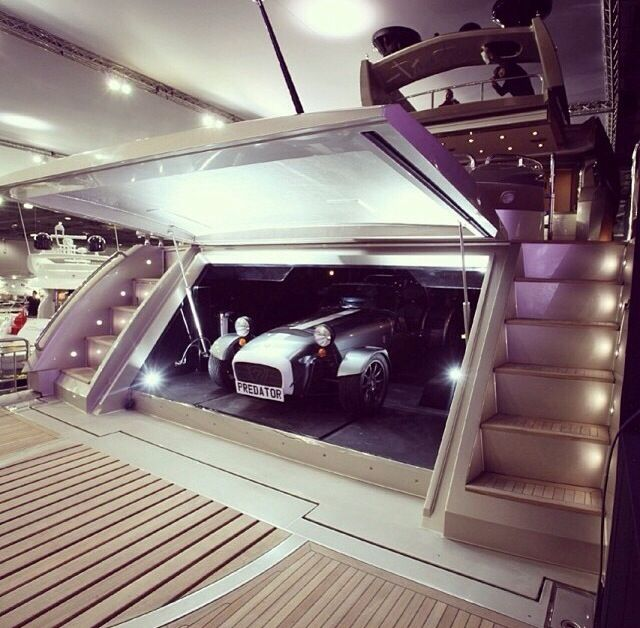 Superyacht garage casinos of hotels of for Garage with accommodation