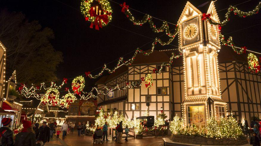 6 amazing holiday shindigs at America's theme parks