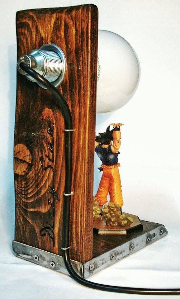 Lampe Dragon Ball Z Bois Et Acier Commande Speciale Pour