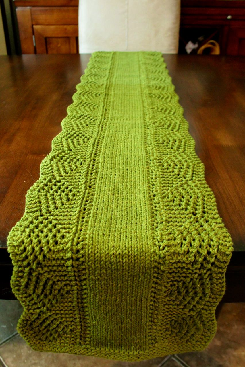 Dinner Party Decor Idea: Hand Knit Table Runner