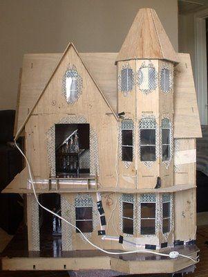 The Garfield Blog: How to Electrify a Dollhouse   DOLLHOUSE