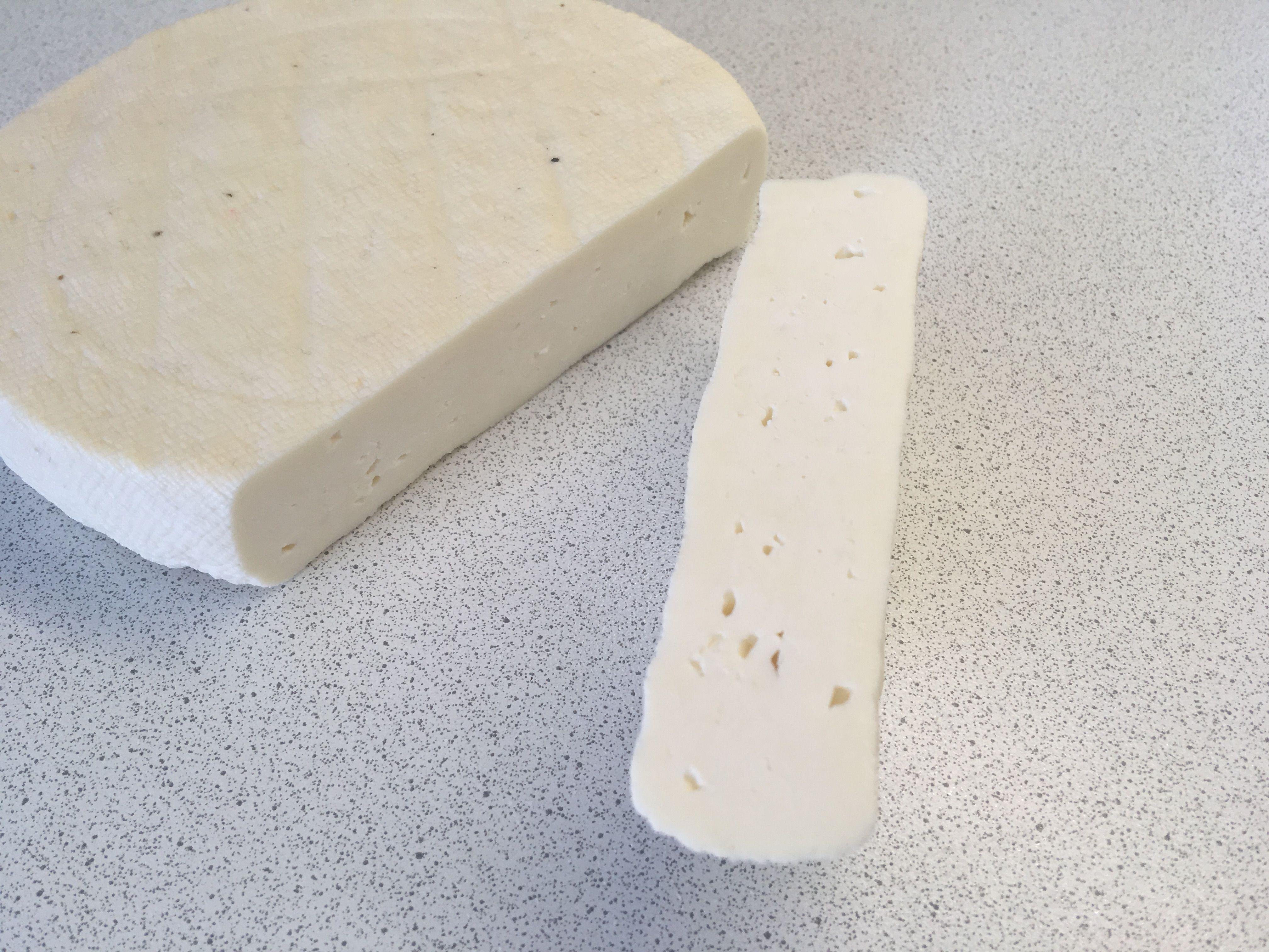 Домашний сыр в разрезе