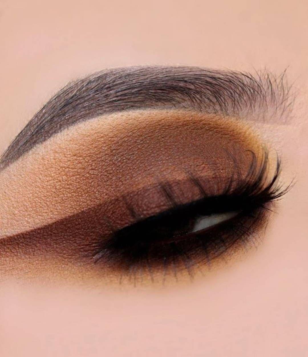 *jaw drops* 😳😍🍂 glambysarai created this eye look with
