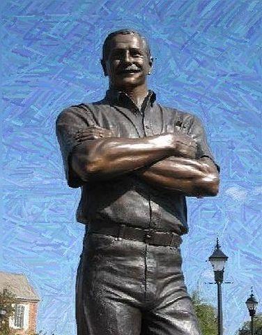 Dale Earnhardt Sr Statue In Kannapolis Nc Dale Jr Dale