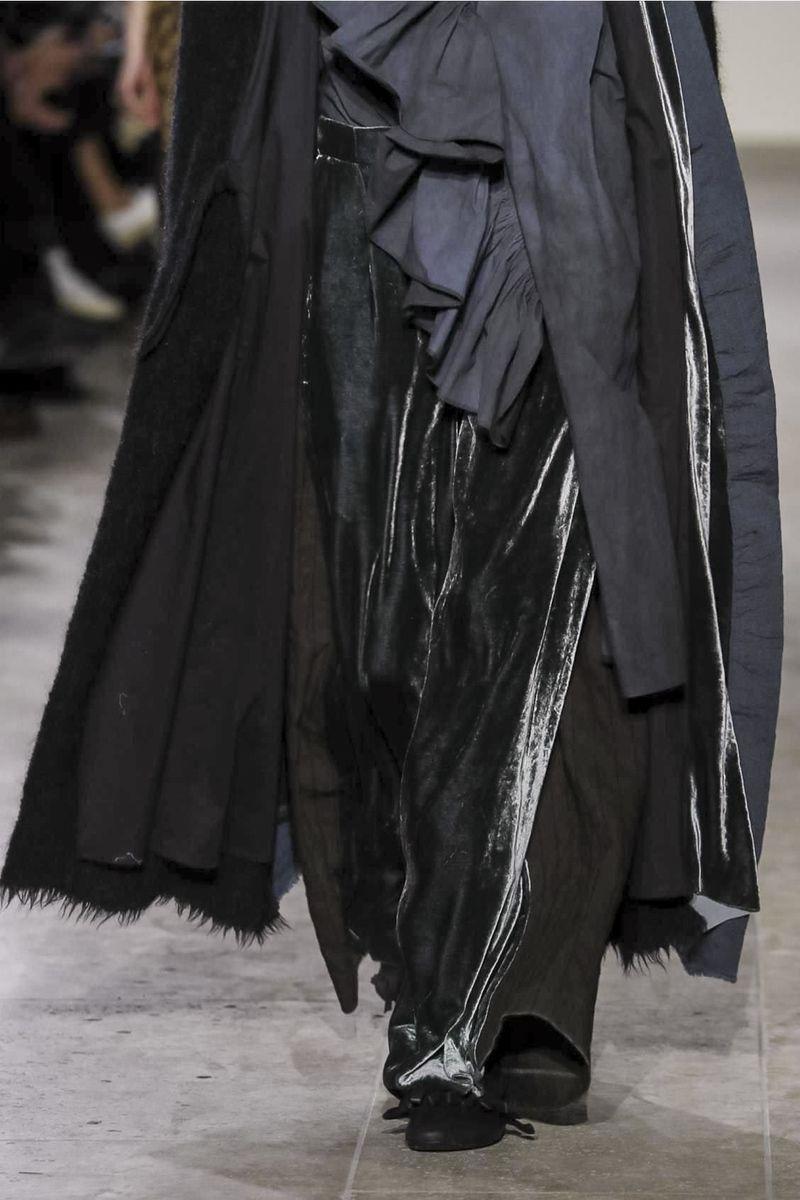 Uma Wang Ready To Wear Collection Fall Winter 2017 Fashion Show in Paris