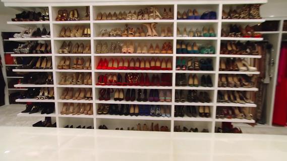 Khloe Kardashian's walk in closet | WALK IN CLOSET ...