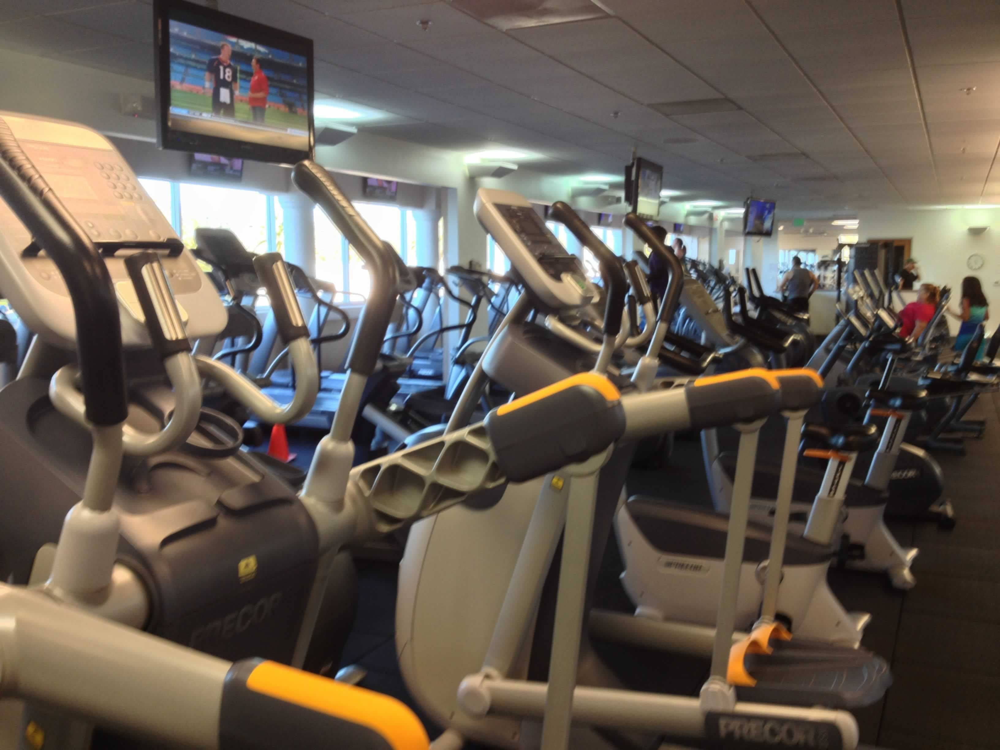 Brand new gym equipments for all the members in energy