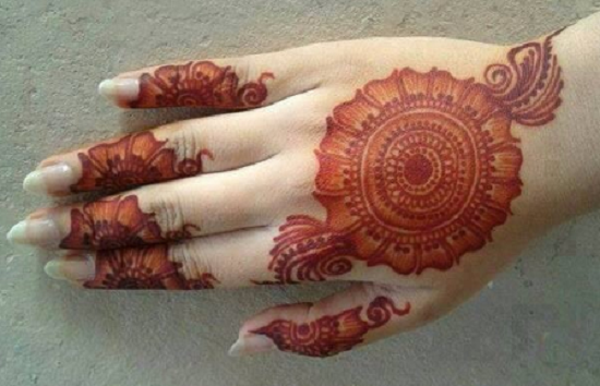 Mehndi Hands Png : Easy beautiful mehndi designs for the back of hand