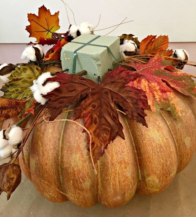 DIY The Perfect Fall Centerpiece   Pumpkin decorating ...