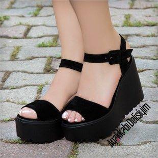 En Moda Topuklu Sandalet Modellerine Ulasmak Icin Ayakkabi Delisiyim I Ziyaret Edin Siyah Suet Dolgu Siyah Dolgu Topuk Sandalet Siyah Dolgu Topuk Dolgu Topuk