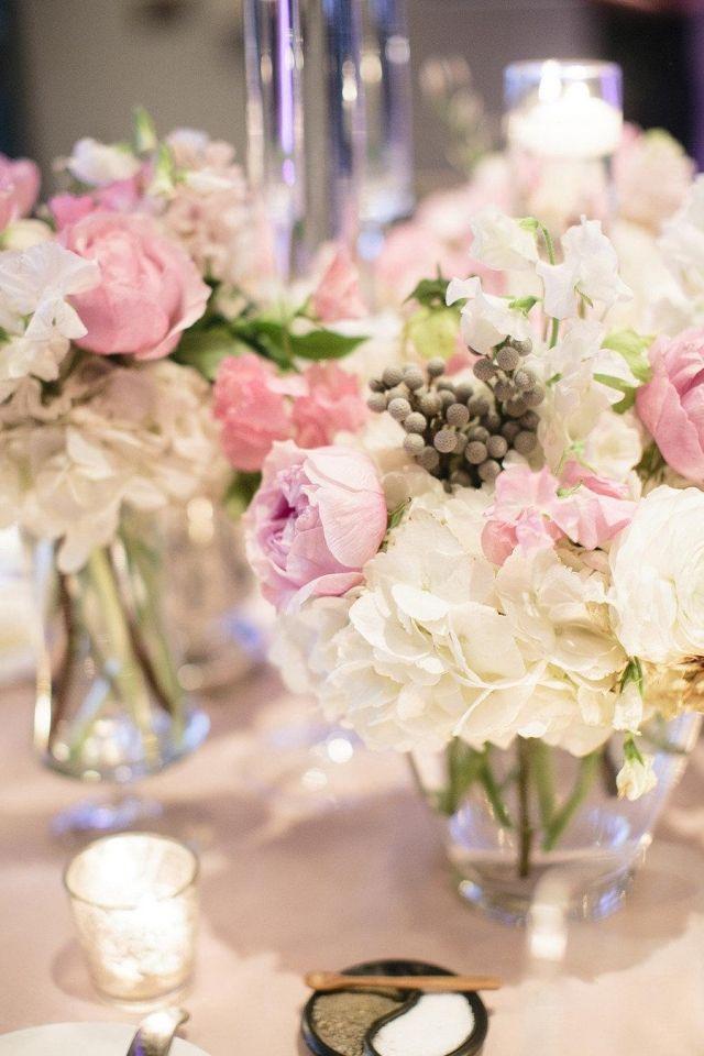 Hochzeit Fruhling Tischdeko Blumen Hortensien Rosen Pastellfarben