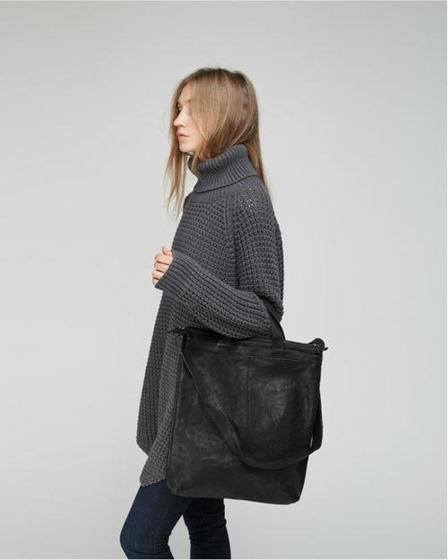 huge sweater skinny jeans and gigantic bag j taime fashion