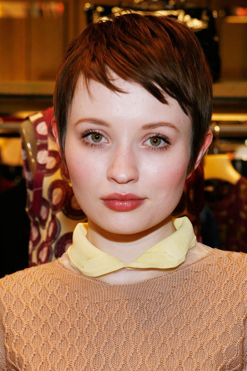 Corto Y Cambio Emily Browning Haircut Styles And Pixies