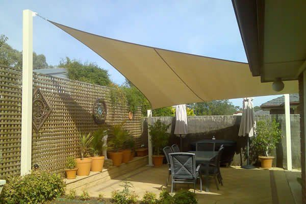 Tende da sole a vela triangolari o rettangolari, fisse o mobili, per locali commerciali e privati. Tende A Vela Vele Da Sole Tende A Sole Protezione Uv ˍ°í¬ ̝¸í…Œë¦¬ì–´