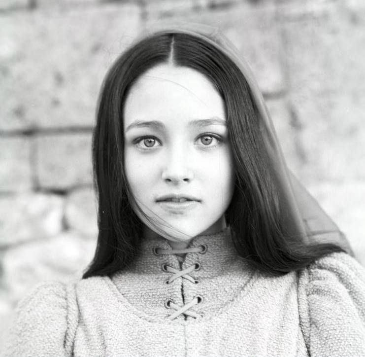 Olivia Hussey - can i please be her? Olivia Hussey